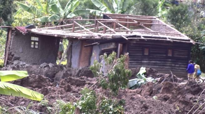 Nyamasheke: Ubutaka buri kuri hegitari 12 bwimutse busenya inzu zisaga100