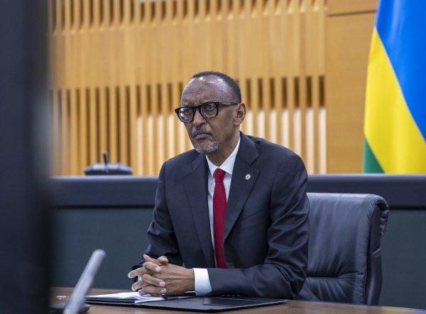 Kagame yaciye amarenga ko abashaka ko Rusesabagina arekurwa basa n'abakina ku buzima bw'abanyarwanda
